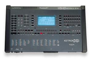 Ketron X4 Arranger USB Reader/Pedal/Stand