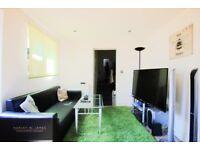 3 bedroom flat in Herbert Road, Plumstead, SE18