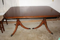 Antique Mahogany Dining Room Table with 6 Chairs