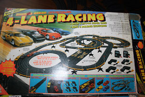 Vintage Tyco 4-Lane Racing Magnum Edition Race Track. Complete