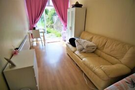 HUGE DOUBLE ROOM IN SEVEN SISTERS - GARDEN ACCESS - CATS WELCOME