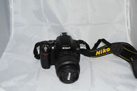 Nikon D40 with 18-55mm lens - 3 Batteries - 1 Charger