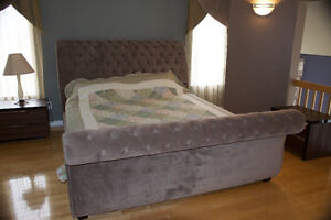 King size bed with Mattress and box, Perfect condition