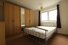 double room perfect for students available now
