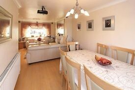 Executive Detached Property 6-Bedroom detached residence, located in Bishops Wood.