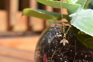 Gold Filled 3 Leaf Pendant Necklace- Brand New & Etsy Shop Oakville / Halton Region Toronto (GTA) image 2