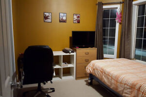 Room for rent–Furnished,Private bathroom & Free Netflix