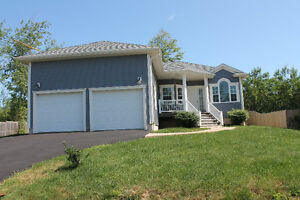 Save Realtor Fees - Upscale Executive Bungalow in White Estates,