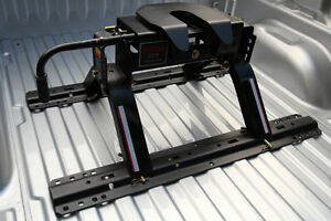 New 16,000lbs 5th Wheel Hitch - Installation Available