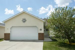 5 BEDROOM Family Home FOR SALE - Rosedale Meadows, Red Deer