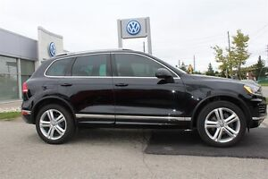2016 Volkswagen Touareg Execline 3.6L - ONE OF A KIND Kitchener / Waterloo Kitchener Area image 11