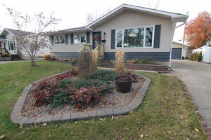 RENOVATED Bungalow Backing a Park in Sturgeon Heights!