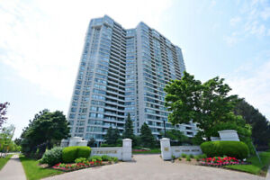 Completely Renovated 2+1 Bed Condo In Heart Of Square One!