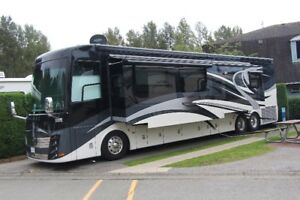 2013 Newmar King Aire 45' Luxury Coach