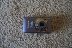 GRAY CANON POWERSHOT ELPH 100 HS 12.1MP 4x zoom