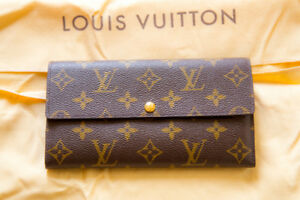 Louis Vuitton Sarah Wallet - Excellent Condition
