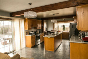 3BR detached house for rent in Aurora - great location