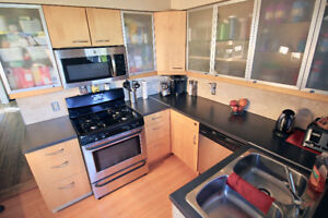 Port Moody 6bdrm 4 bath with mortgage helper