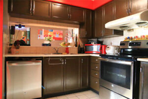 2 Bed / 1 Bath Suite In Mississauga