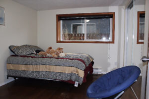 Beautiful Fully Furnished Room For Female near Uvic