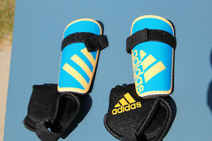 Toddler Addidas Soccer Shin Pads (small)