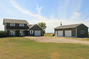 Gorgeous Home w/ Shop 25 minutes from Winnipeg!