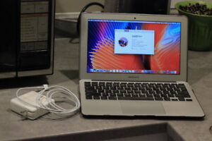 """MacBook AIR 11"""" EARLY 2015, 4GB, 120 GB SSD, Works perfectly"""