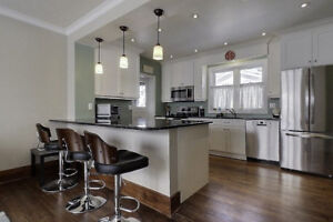 Students: 4 beds house at downtown Kitchener (King/Victoria)