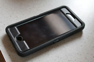 Mint Condition UNLOCKED iPhone 6 w. Otterbox Defender!
