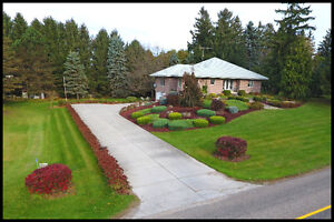 Large Country Home Just Out-Side of Strathroy 7938 WALKERS DR