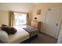 1 DOUBLE BED ROOM WITH ENSUITE - CLOSE TO GLOUCESTER QUAYS - AVAILABLE NOW