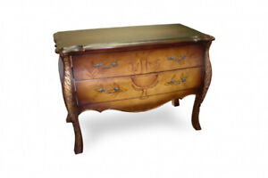 BEAUTIFULLY CRAFTED CHEST