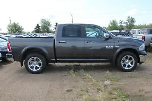 2016 RAM 1500 LARAMIE CREW CAB READY TO ROLL !! 16R19452