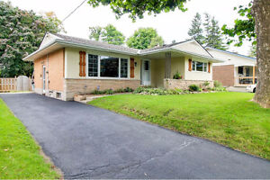 3-bedroom detached bungalow at Ottawa & Hwy 7 available Sept 1st