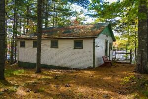 70' LAKE FRONTAGE/3 BD/ZWICKERS LAKE/LARGE DECK IN ALBANY CROSS