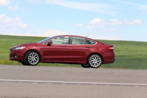 2013 Ford Fusion Titanium Sedan AWD !!! LOW kms