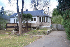 Superb Bungalow for Sale in Pierrefonds-Roxboro!
