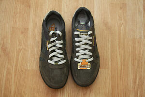 SIZE 8.5 MAN SKECHERS SHOES ''NEW'' NEVER WORN.