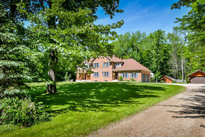 NEW PRICE!!! STUNNING! PRIVATE! 3,22 ACRES! TWO SEP 3 BR HOMES