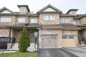 BAYVIEW AND ELGIN MILLS 3 BD 3 BTHRM TOWNHOUSE W/FIN BSMNT