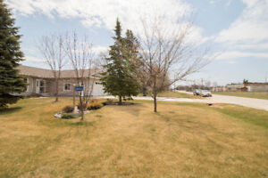Amazing Gimli Home in a Perfect Location!