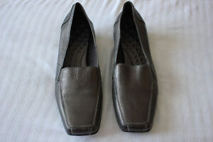 Leather shoes 11.5 W Made in Brazil