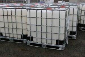 250 Gallon Plastic Water Totes / Containers