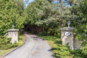 Spacious Home on Private and Stunning 10 Acre Property!