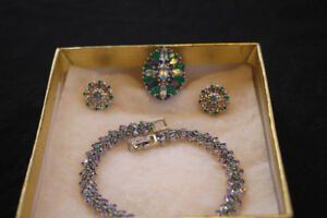 Unique set of Natural Emerald & Gems ring/earrings/bracelet