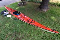 Kayak de mer en fibre de verre - possibilité d'échange