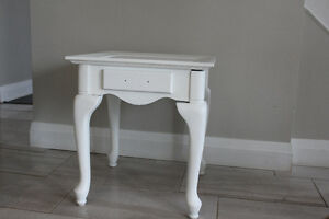 Nightstand/Endtable