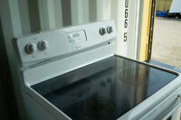 Like New - Only 2 years old - Flat Top - Kenmore -