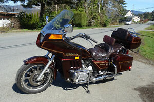 honda gold wing touring bike
