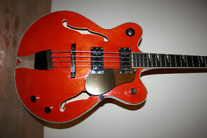 EASTWOOD Classic Four semi-hollow body bass